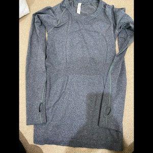 Lululemon long sleeve grey size 6